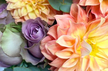 Selecting the Perfect Floral Displays for Your Garden Party