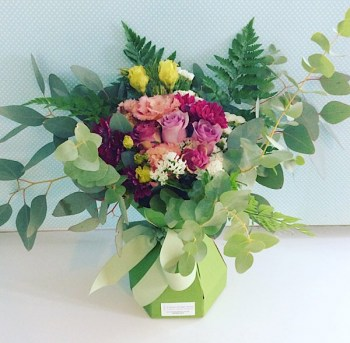 flower arrangements Image