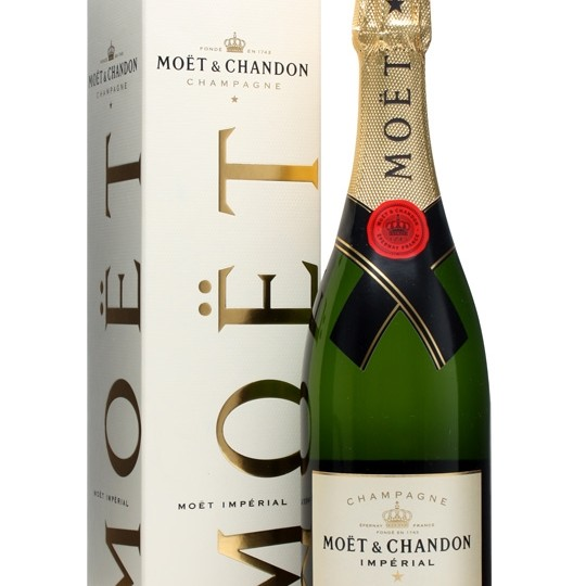 a 750ml bottle of moet and chandon french champagne