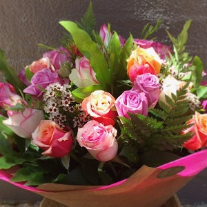 Long Stem Pink Rose Bouquet Deluxe Value - A Touch of Class Florist