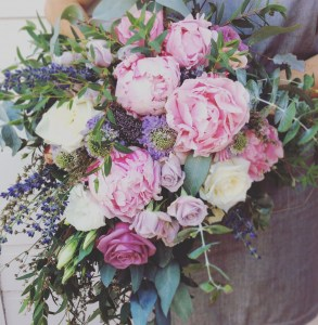 Perth Weddings - Beautiful bridal bouquet - A Touch of Class Florist
