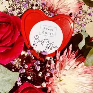 Sweet Ember Candle- Best Mum. Hand poured soy candle into a heart shaped tin especially for your Mum! - A Touch of Class Florist Perth